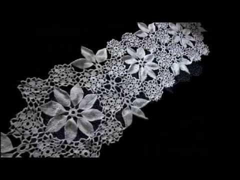 Caminho de mesa de crochê flores e folhas