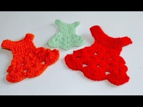 Lembrançinha de maternidade aniversario comunhão crisma vestidinho - souvenir crochet maternity