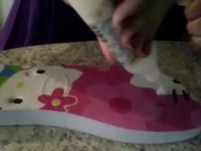 Técnica em decoupage em chinelo - Hello KITTY