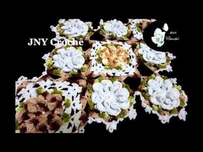 Caminho de mesa de Crochê com Flores Chocolate e caramelo