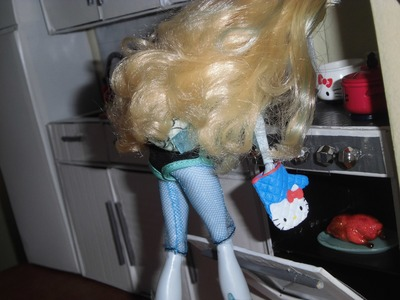 Como fazer um fogão para boneca Monster High, Pullip, Barbie e etc