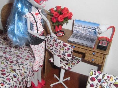 Como fazer uma cadeira de escritório para boneca Monster High, Pullip, Barbie e etc