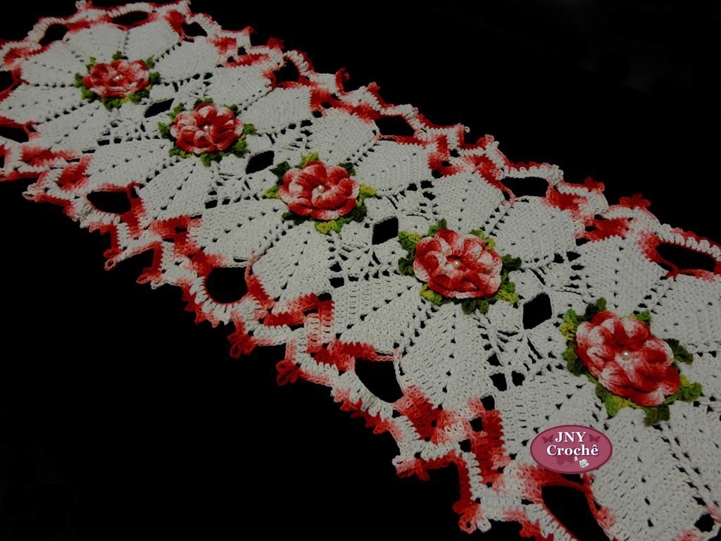 """Caminho de mesa de Crochê """"Flor de Cerejeira"""" JNY Crochê"""