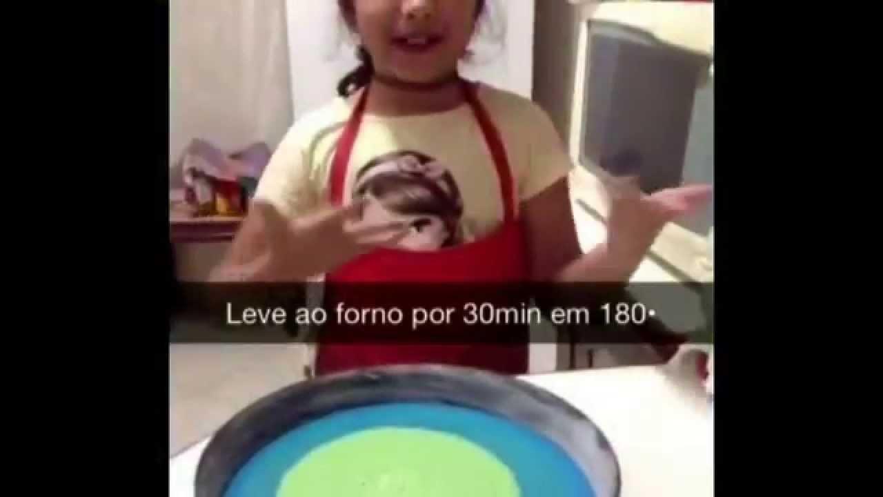 Receita: Bolo de arco-íris (Rainbow Cake) - Na cozinha com a Clarinha