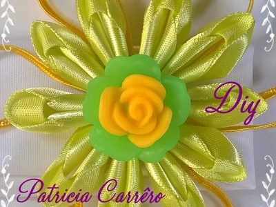 Faixa de cabeça com flor de fita com soutache DIY \ Headband with ribbon flower with soutache DIY