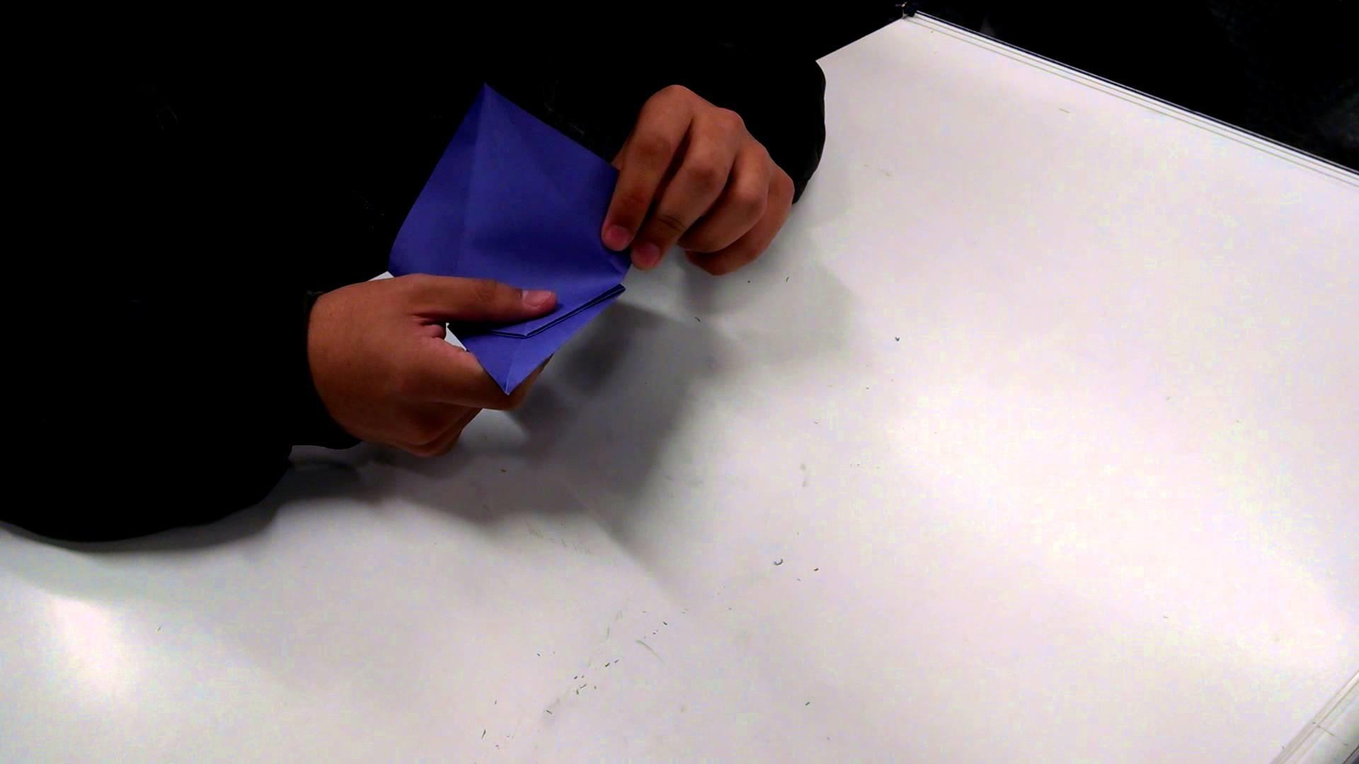 Origami na Aula de Desenho Básico pelo Leonardo