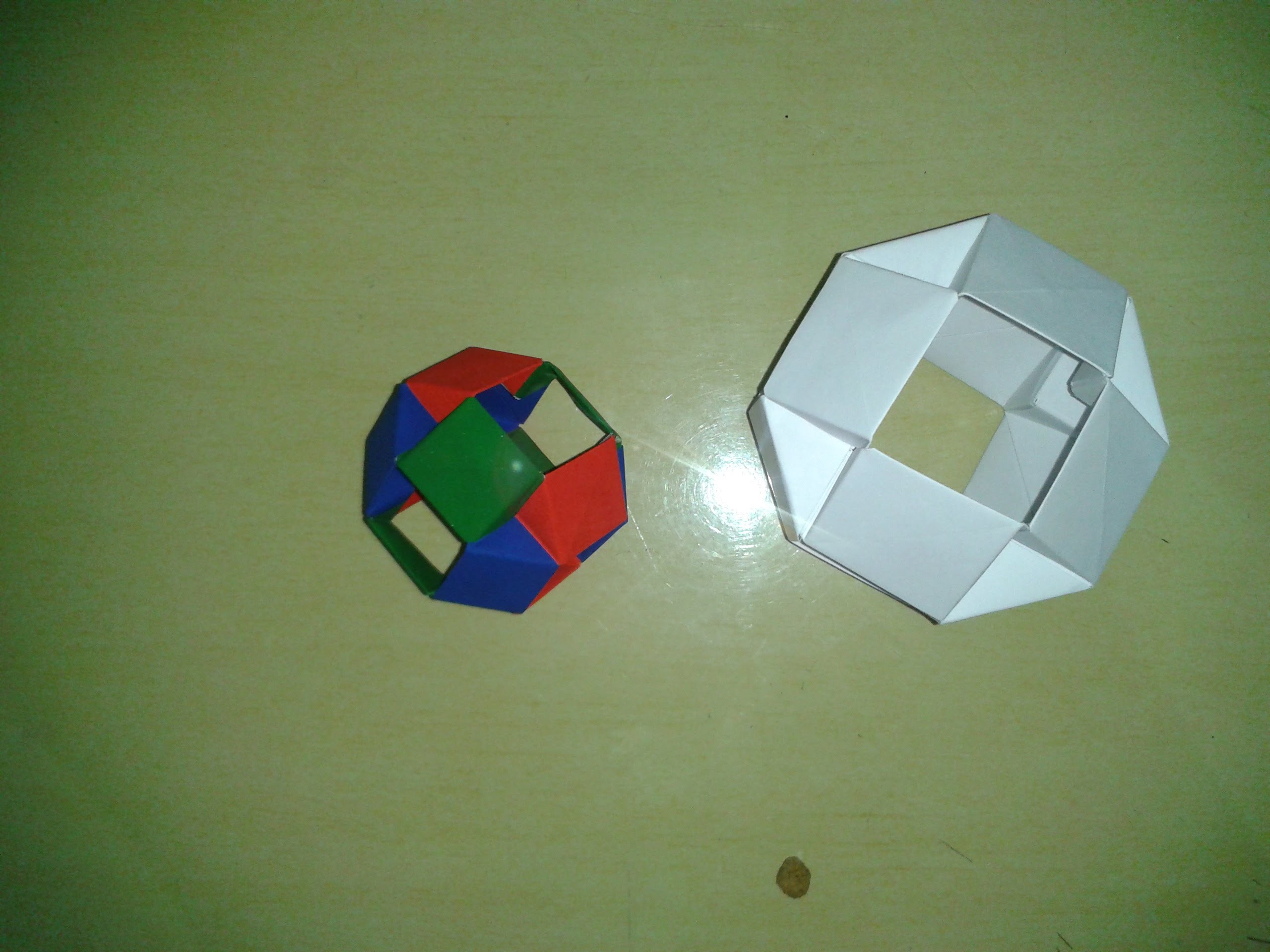 Origami Modular Sonobe Plane - Time-lapse