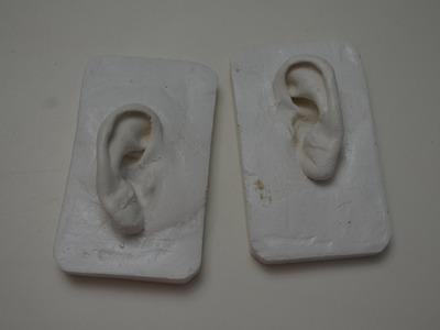 Como Fazer a Cópia das Orelhas. DIY Ear Cast (with eng. subs)