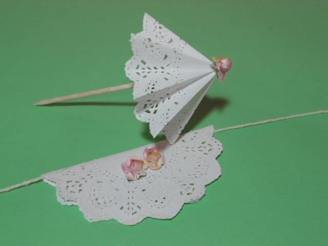 Decoração de Cupcake Guarda-Chuva com Papel Rendado