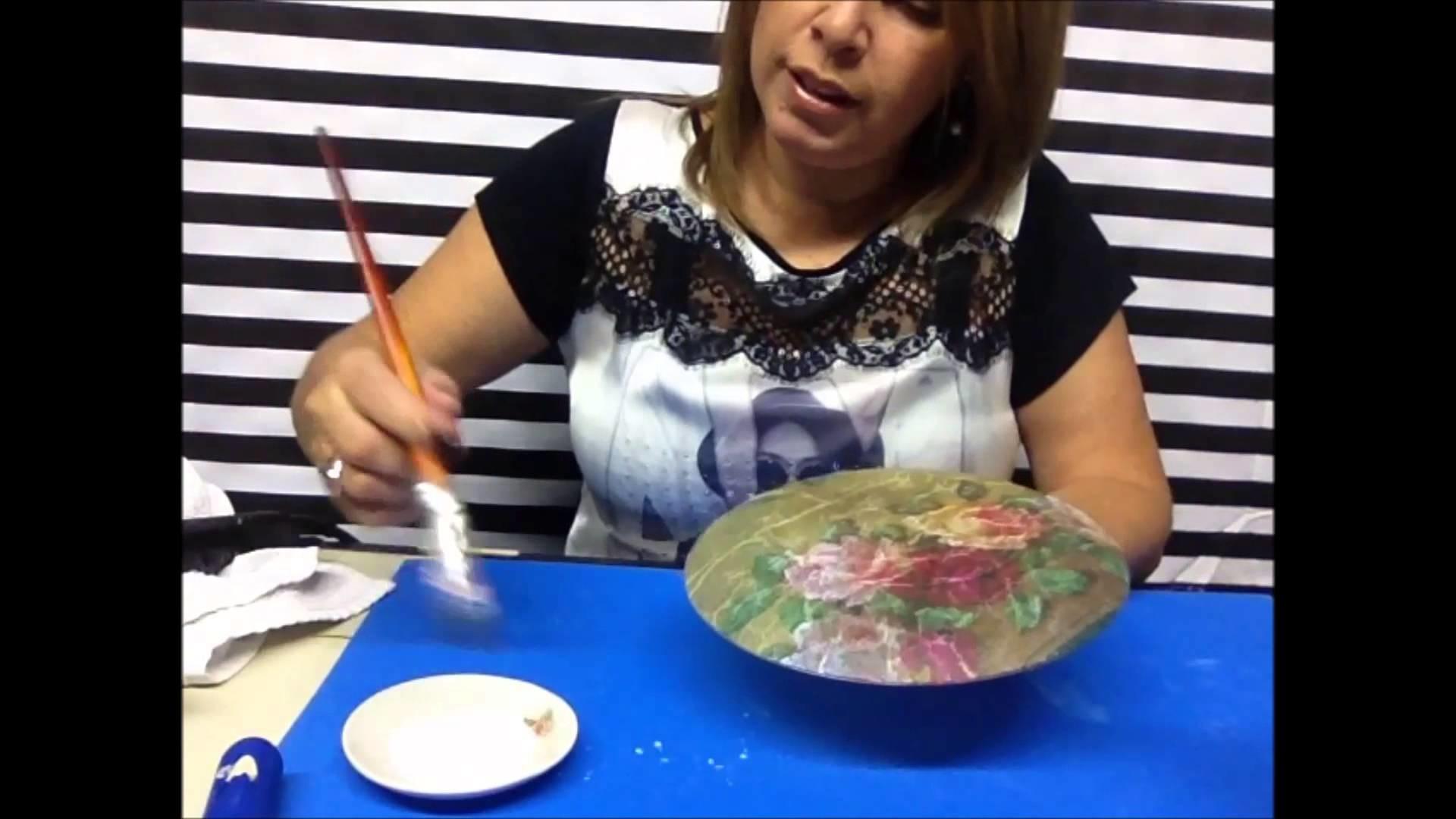 ARTESANATO Decoupage em pratos de vidro para decoração
