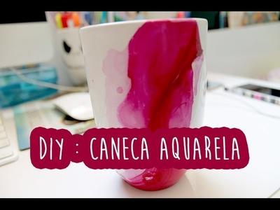 Faça você mesmo (DIY): Caneca Aquarela