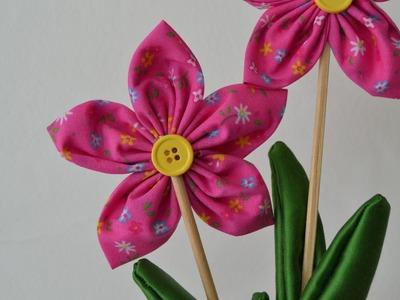 DIY: Faça voce mesma  flor simples de fuxico
