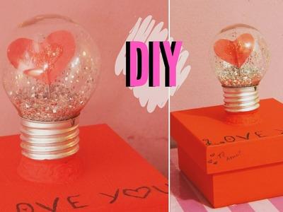 DIY:: Caixa fofa, lâmpada com coração | Andressa Moraes