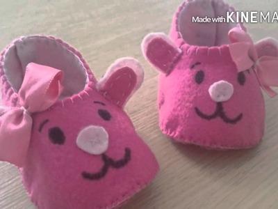 Sapatinho de feltro feito a mão #DIY modelo para meninas e meninos
