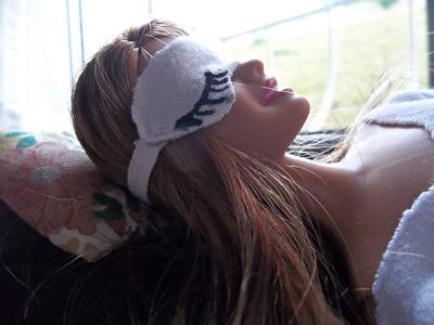 Tutorial: Máscara de dormir para boneca Barbie ou outras - DIY - Fácil