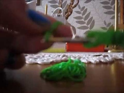 *Rainbow Loom*  Como fazer trevo com elásticos- How to make a clover