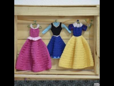 Como fazer cabide para as roupinhas de boneca - LiiArt