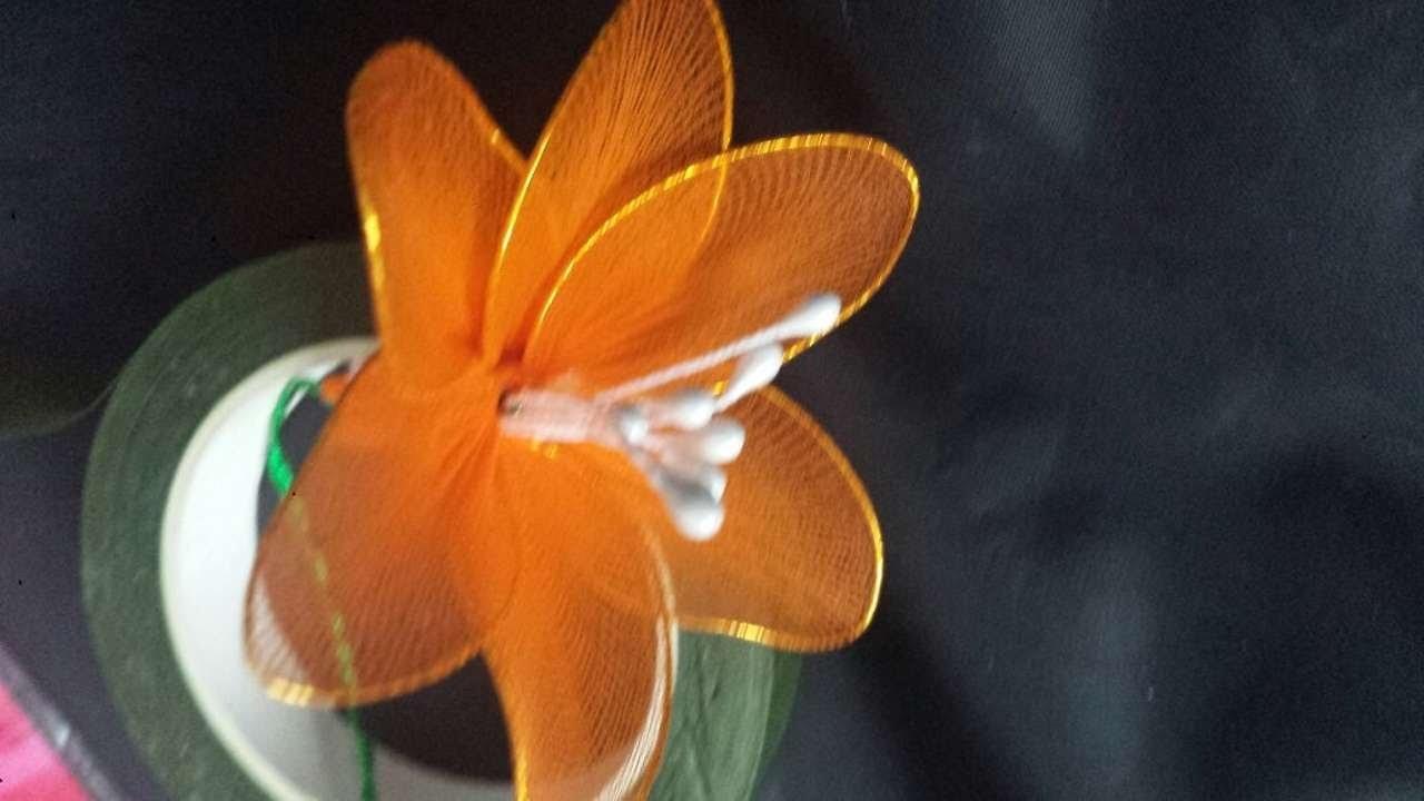 Faça Flores Elegantes de Meia de Nylon - Faça Você Mesmo Artesanato - Guidecentral