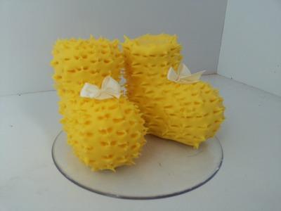 DIY--sapatinho de lã para topo