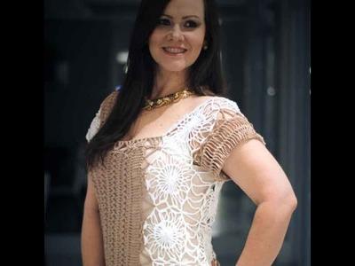 Blusa nude e branca em crochê de grampo - Helen Mareth