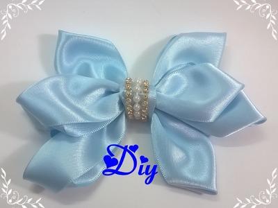 Laço de fita de cetim \ Satin ribbon bow
