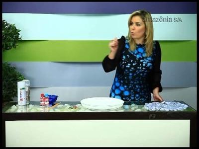 Aprenda a fazer uma linda bandeja com tampinhas
