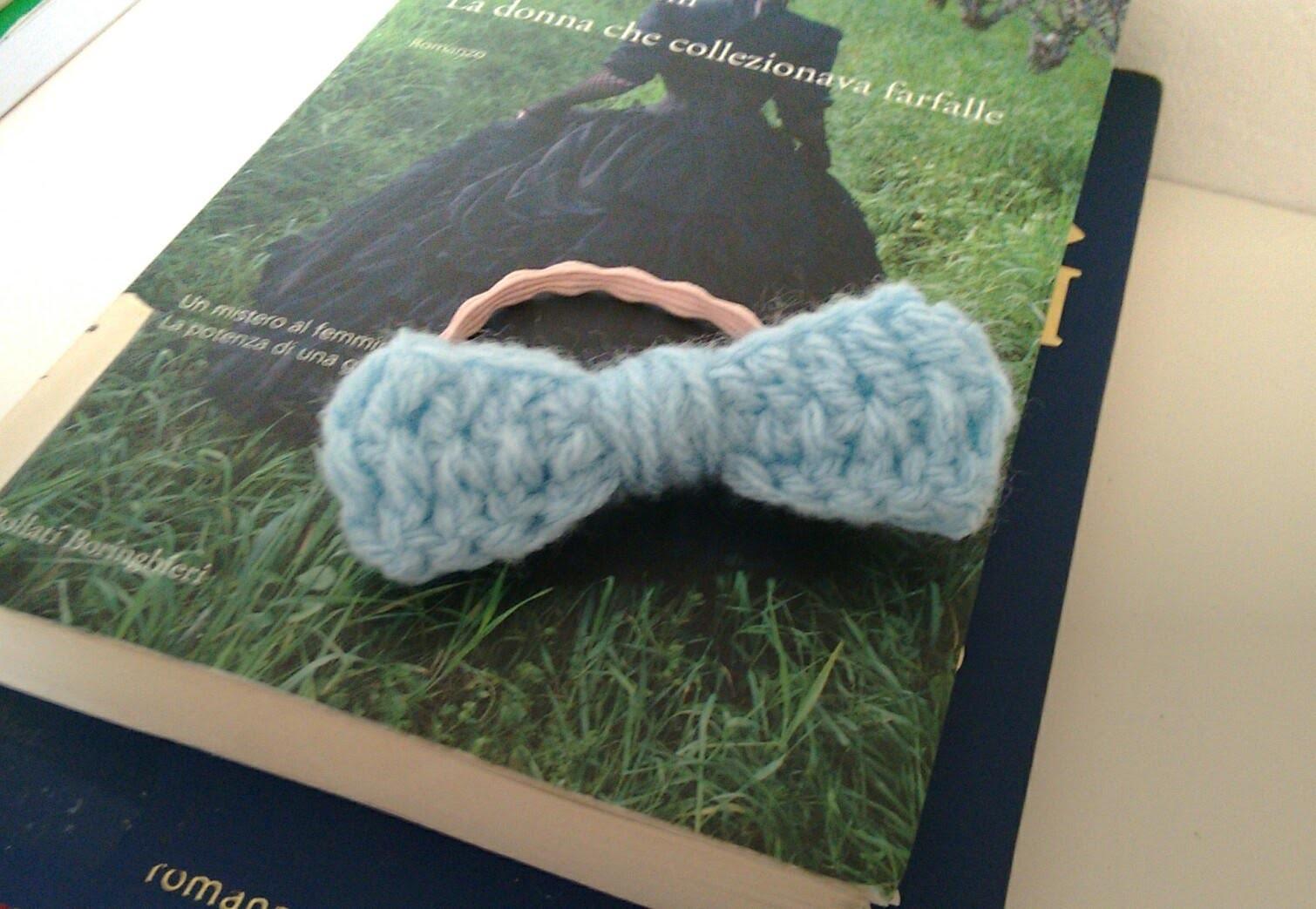Lacinho de crochet. uncinetto