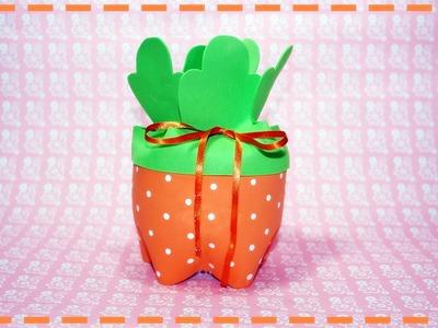 Lembrancinha porta-doces para a páscoa feita com garrafa pet