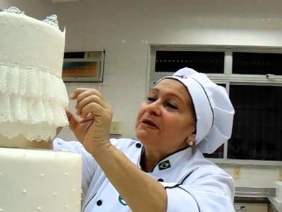 Aula de renda comestível para bolos confeitados