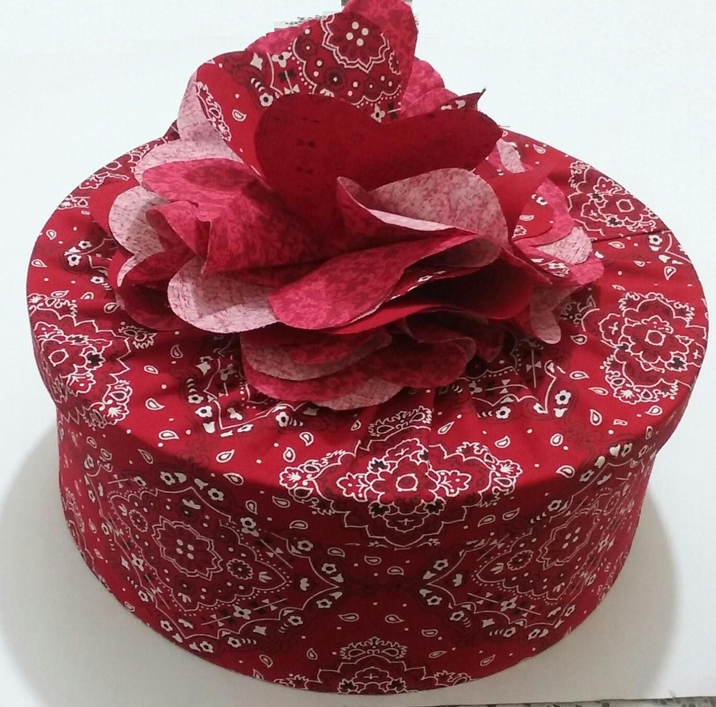 Caixa redonda com flor donê - Modelo 2 - Aula parte 2 de 2