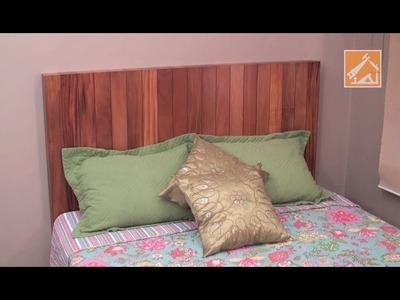 Cabeceira de cama com madeira reciclada