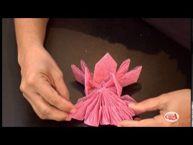 Alciana Rossi ensina usar a Decortela fazendo uma forminha pra bem casado.