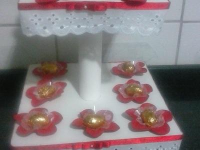 PAP torre porta cupcake com papelao e EVA