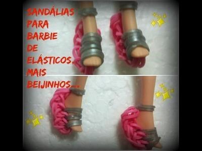 Sandalias de elásticos ,feitas com garfos,mais beijinhos.