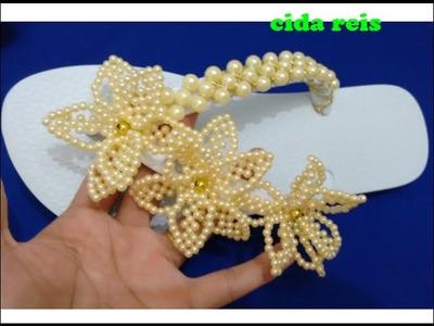 Chinelo com flor de pérolas simples muito lindo