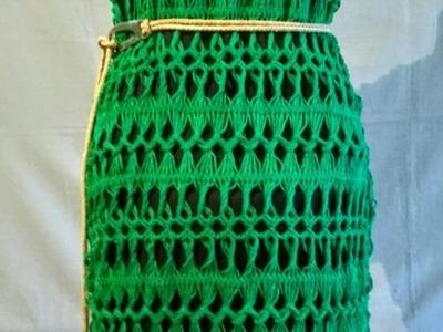 Vestido verde de crochê de grampo