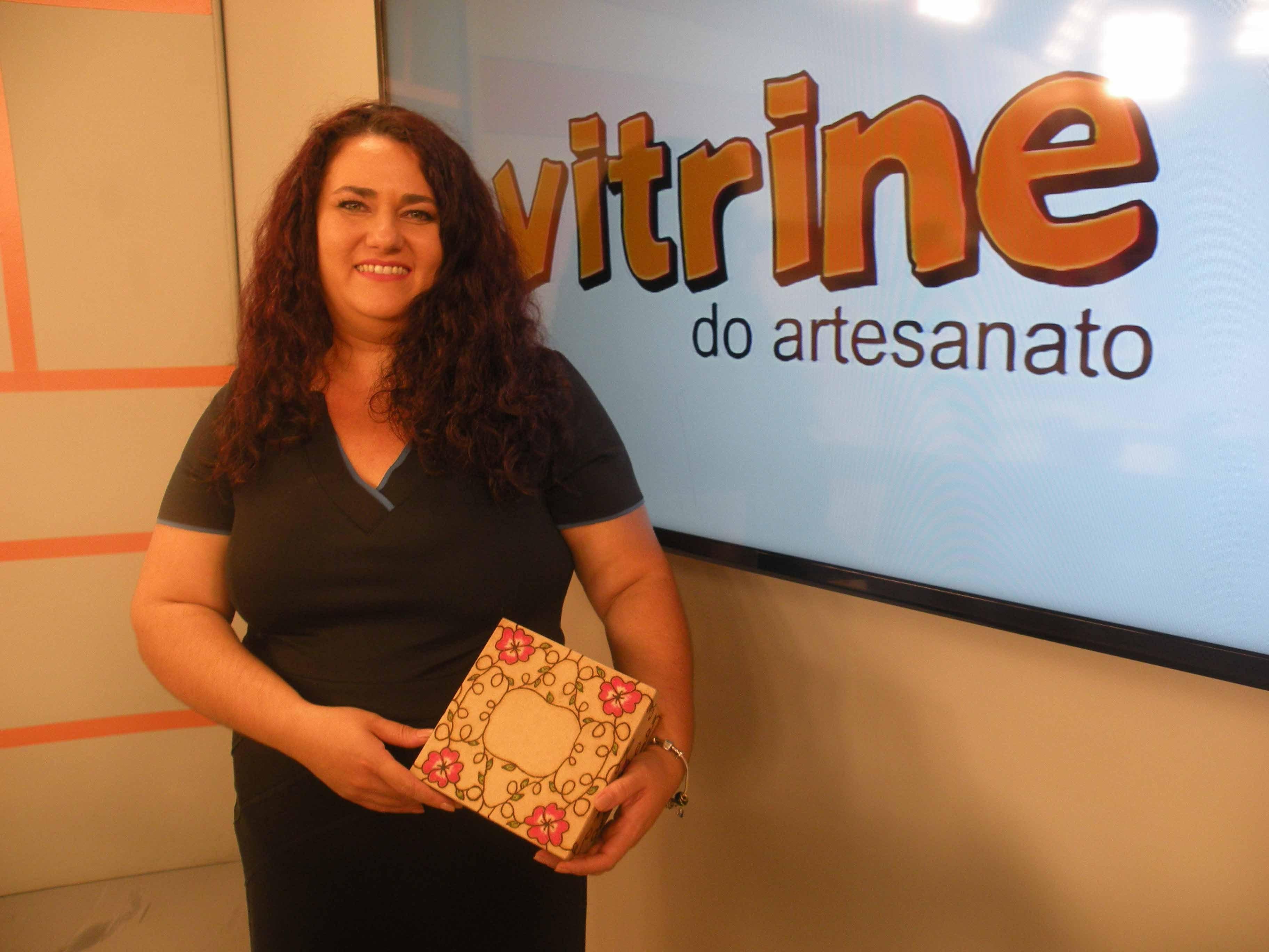 Caixa de Flores com Pirógrafo com Alessandra Palante | Vitrine do Artesanato na TV