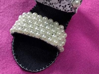Sandália de tecido e feltro