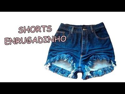 Diy: Como fazer amassadinho enrugadinho no shorts - Customizei meu closet