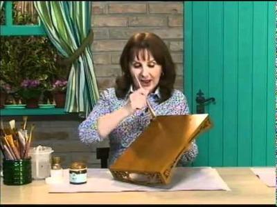 Bandeja envelehcida com purpurina ouro e toalhinha   Daiara