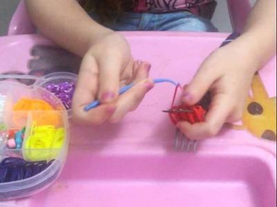 Morango com elásticos rainbow loom