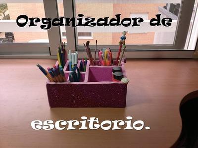 Organizador de escritorio reciclado. Desktop organizer recycling