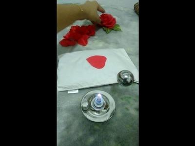 Rosa  de cetim engomada, feita com boleadores