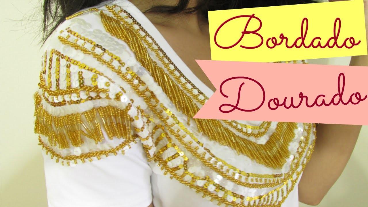 T-Shirt Fashion - Bordado de Paetês e Franjas Douradas