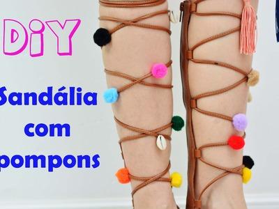 Carol Muniz - DIY -  Sandália gladiadora com pompons