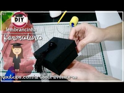 DIY:: Lembrancinha para FORMATURA | Caixinha com formato de CAPELO