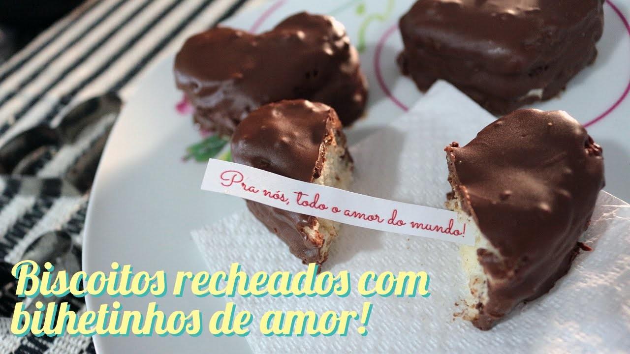 Biscoitos de chocolate com recheio de bilhetinhos para o Dia dos Namorados!