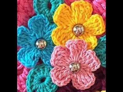 Mini flor em croche