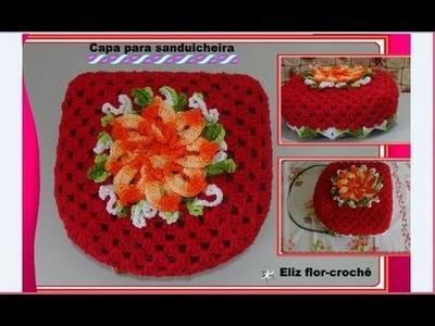 Capa para sanduicheira em crochê com flor
