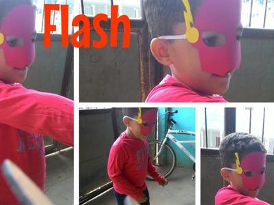 Máscara do FLASH  feita de papel cartão